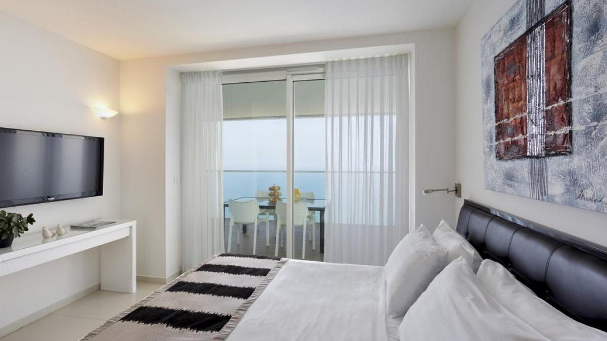 Island Suites Hotel 5*